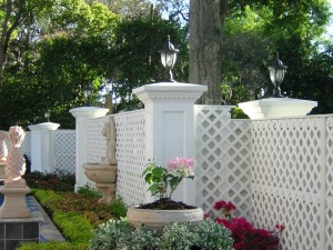 Custom Lattice With Colums